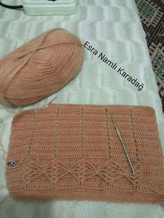 This Pin was discovered by Eme Loom Knitting Projects, Crochet Projects, Newborn Crochet, Crochet Baby, Crochet Stitches Patterns, Stitch Patterns, Pull Crochet, Crochet Fashion, Pulls
