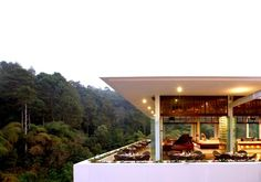 It is quite an experience to eat dinner or have your tea accompanied by the sound of crickets at The Restaurant in Padma...