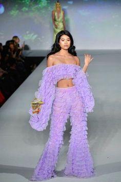Women's Fashion Tips .Women's Fashion Tips Fashion Killa, Look Fashion, High Fashion, Fashion Show, Fashion Outfits, Fashion Design, Fashion Today, Petite Fashion, Korean Fashion