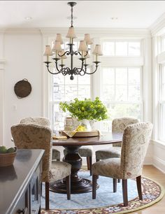 Need Green on my table...Dining Room. Great ideas for Casual Dining Room Design. #DiningRoom