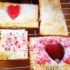 @thursdaygirls posted this nutella and strawberry poptart. I made peanut butter and nutella ones for my bf