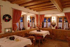 Weihnachtsstimmung im Restaurant in München Süd - Süsser die Glocken nie klingen, als in der Weihnachtszeit im Waldgasthof Buchenhain. Erleben Sie unvergessliche Momente im Advent in einem der gemütlichsten Restaurants in München.