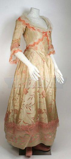 Christina Ricci ~ Katrina Van Tassell ~ Party gown ~ Sleepy Hollow