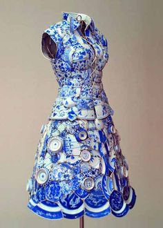 Here's something you don't see everyday Li Xiaofeng makes dresses out of porcelain. Entire dresses are crafted out of the shards of pottery, often shards found at archeological sites.