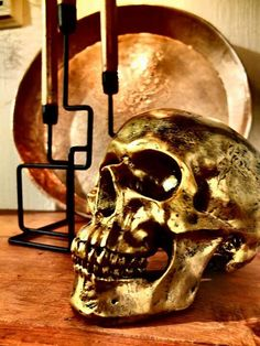 Golden skull from Norwegian shop Kremmerhuset Skull, Shop, Home Decor, Art, Art Background, Decoration Home, Room Decor, Kunst, Performing Arts