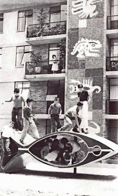 Área de juegos, Conjunto Habitacional Unidad Independencia, San Jerónimo Lídice, Magdalena Contreras, México, DF 1960 Mural de mosaicos. Francisco Eppens Helguera Arqs. Alejandro Prieto Posadas y José...