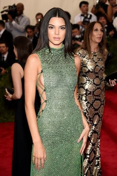 Kendall Jenner's sleek, straight hair, paired with her natural face let her dress do the talking. Healthy and radiant hair and skin makes this look a success #MetGala #hair #style