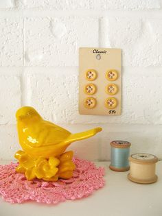 yellow birdie - note to self: start collecting kitchy accessories!