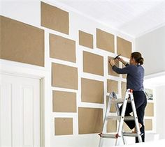 How to design your wall gallery display. Good idea for just placing a DIY photo wall collage too Photowall Ideas, Deco Design, Design Design, Home And Deco, Photo Displays, Wall Collage, Wall Art, Art Walls, Paper Walls