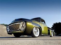 We Wouldn't Advocate Kissing Such A Frog, But Craig Hahn's 1955 Kustom Sure Turned Out Handsome! - Rod And Custom Magazine Ford Pickup Trucks, Lead Sled, Custom Wheels, Custom Trucks, Kustom, Big Trucks, Jdm, Cars Motorcycles, Hot Rods