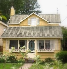 House Bungalows Cottages Yellow House Cozy Cottage Country Cottage