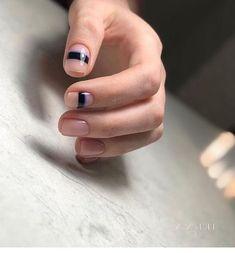 Minimalist Nails, Trendy Nail Art, Stylish Nails, Nail Art Designs, Nails Design, Mens Nails, Lines On Nails, Manicure Y Pedicure, Nagel Gel