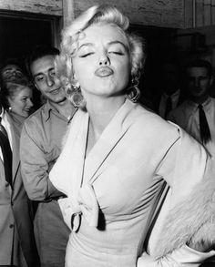 Marilyn, l'icône glamour s'expose à Paris