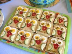 Moje a Adamkovo ihrisko: Adamkove prvé narodeniny Party Sandwiches, Food Decoration, Party Treats, Food Design, Zucchini, Good Food, Food And Drink, Snacks, Vegetables