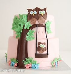 Fondant layer owl cake