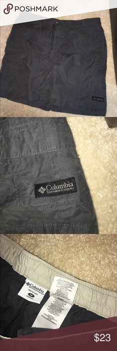 Women's Columbia Skirt This skirt is from Columbia Sportswear and it is in GREAT condition :) Columbia Skirts