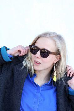 Sun glasses Mahonki, Earrings Uhana Design, Shirt and Coat Minimum. Aamukahvilla blogger Henriikka.