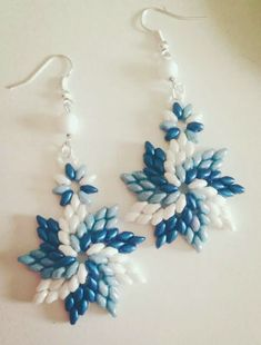 Best Seed Bead Jewelry 2017 - Orecchini - we've seen the pattern.nice color combo example Best Seed Bead Jewelry 2017 Orecchini we've seen the patternnice color combo example Bead Jewellery, Seed Bead Jewelry, Seed Bead Earrings, Jewellery Shops, Beading Projects, Beading Tutorials, Beaded Jewelry Patterns, Beading Patterns, Bracelet Patterns