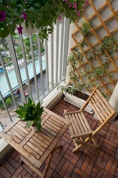 Small Outdoor Patio - 1 thing which many men and women really like to have is a wonderful apartment balcony design. You may think that you will need a huge space for trying a balcony design, however this is not completely required. Small Balcony Design, Small Balcony Garden, Small Balcony Decor, Patio Design, Balcony Ideas, Small Balconies, Garden Design, Balcony House, Balcony Gardening