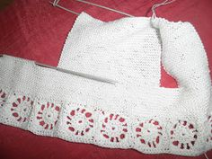 ARTES-ANAS: GANCHILLO Y CALCETA, JUBÓN PARA BAUTIZAR Elsa, Apron, Fashion, Crochet Baby Clothes, Sweater Knitting Patterns, Sweaters Knitted, Knits, Christening, Jackets