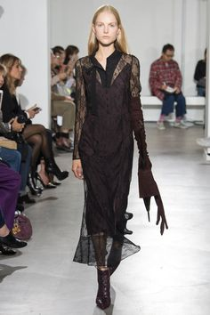 Olivier Theyskens Spring 2018 Ready-to-Wear  Fashion Show - Kirin Dejonckheere