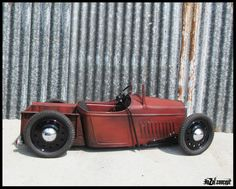 Hozoi Graffiti ,Metal shaping,Design: my hot rod pedal car Karting, Kart Cross, Homemade Go Kart, Rat Rod Pickup, Metal Shaping, T Bucket, Kids Ride On, Pedal Cars, Mini Bike
