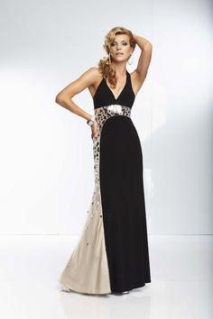 626c80a83b0b NOVINKA v salóne Diamond v Nitre! Zaujímavý model Nikita značky Mori Lee.  Short Bridesmaid