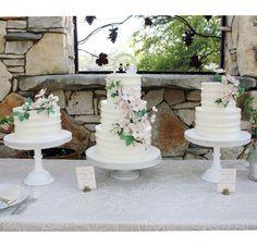 Dogwood wedding cakes. ©Coco Paloma Desserts.