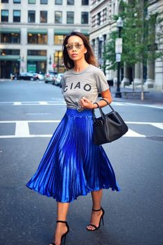 30 Simple Pleated Skirt Outfit 30 Simple Pleated Skirt Outfit Blue Pleated Skirt Street Style Outfit The post 30 Simple Pleated Skirt Outfit appeared first on New Ideas. Fashion Mode, Blue Fashion, Look Fashion, Womens Fashion, Fashion Trends, Classic Fashion, Metallic Fashion, Office Fashion, Petite Fashion