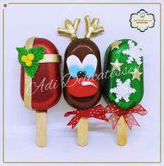 Christmas Cupcakes, Christmas Desserts, Christmas Treats, Paletas Chocolate, Chocolate Treats, Tie Dye Cakes, Magnum Paleta, Gourmet Candy, Cake Truffles