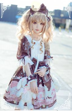 Cute Kawaii White Pink Lolita Dress and Ribbon Headbow / Lolita Girl / Fashion Photography / Cosplay // ♥ More at: https://www.pinterest.com/lDarkWonderland/