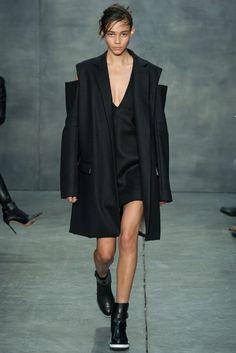 Vera Wang Fall 2015 Ready-to-Wear Fashion Show - Jamie Bochert