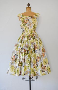 vintage 1950s pale green brown floral cotton dress