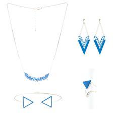 Boucles d'oreilles collier bagues et bracelet jong de formes géométriques émaillés bleu électrique