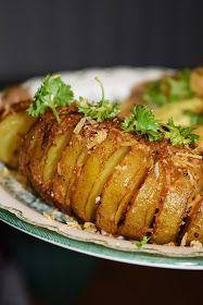 Smaskelismaskens: Hemmagjorda potatisskruvar på spett Dessert Recipes, Desserts, Baked Potato, Tasty, Pork, Food And Drink, Muffins, Beef, Snacks