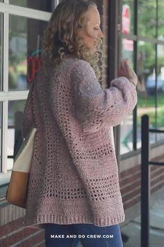 Crochet Jacket Pattern, Granny Square Crochet Pattern, Crochet Poncho, Free Crochet, Make And Do Crew, Crochet Woman, Crochet Fashion, Crochet Clothes, Pullover