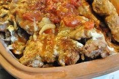 Møre nakkekoteletter i stegeso med porrer, fløde, løg og tomat