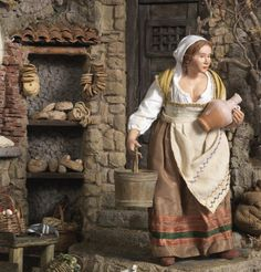 I wonder, is this from one of those elaborate Italian creche scenes? Love that doll. Christmas In Italy, Antique Christmas, Fantasy Miniatures, Dollhouse Miniatures, Biblical Costumes, Mini Doll House, Christmas Nativity Scene, Modelos 3d, Victorian Dollhouse