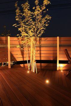 高級感漂うプライベート空間。光と影のコントラストが素敵なデッキガーデン。 #lightingmeister #pinterest #gardenlighting #outdoorlighting #exterior #garden #light #house #home #wooddeck #deck #deckgarden #highclass #cafe #private #stylish #contrast #ウッドデッキ #デッキ #デッキガーデン #高級 #カフェ #プライベート #おしゃれ #家 #庭 #光 #照明 #影 #陰 #コントラスト Instagram https://instagram.com/lightingmeister/ Facebook https://www.facebook.com/LightingMeister