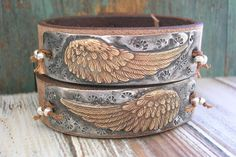 A fabulous leather bracelet with country farmhouse charm. Boho chic with a touch of whimsy, it features an angel wing surrounded by stylized stars!