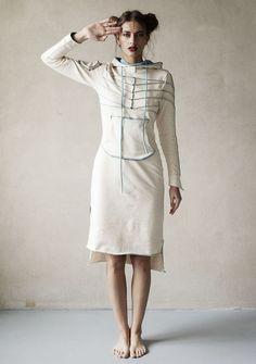 Knitwear dress / Платье `Pro` - отличный выбор для повседневного наряда, а также и для особых случаев :) Комфортное и изящное, с удобным капюшоном и карманом, оно наверняка станет одной из ваших любимых вещей!!