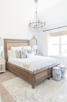 Cane Bed In Traditional Classic Guest Bedroom