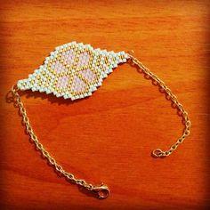 Pulsera Flor Brick Stitch