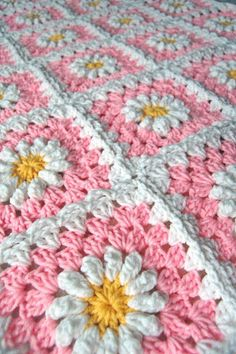 So in love with this pink daisy granny square crochet blanket by tillie tulip - a handmade mishmosh: New pink daisy blanket almost complete. Gorgeous blanket for a new baby girl!Pink Daisy Granny Square Crochet Blanket by tillie tulip You can see pho Crochet Daisy, Crochet Granny, Knit Or Crochet, Crochet Motif, Crochet Crafts, Crochet Flowers, Crochet Projects, Crochet Humor, Crochet Stitches