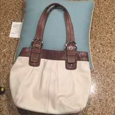 Authentic Coach Leather Bag Authentic Coach Leather bag. Made with original fine leather. Still in good condition Coach Bags Shoulder Bags