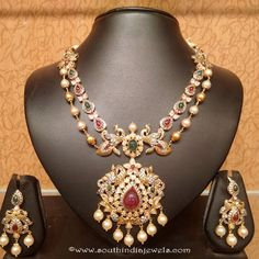 Uncut Diamond Necklace latest jewelry designs - Page 7 of 113 - Indian Jewellery Designs Pearl Necklace Designs, Gold Earrings Designs, Gold Jewellery Design, Gold Designs, Bridal Jewellery, Designer Jewelry, Bijoux En Or Simple, Collier Simple, Layered Necklace Set