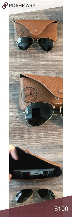 Ray-Ban classic aviator Ray-Ban classic aviation in classic green/gold. Comes with case and cloth. Ray-Ban Accessories Sunglasses