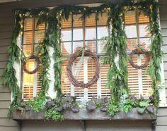tour house 9 window decorations