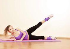 Exercício de elevação lateral para modelar o corpo e esculpir curvas