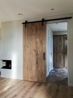Cafe Interior Design, Interior And Exterior, Home Room Design, House Design, Flur Design, Sliding Door Design, Barn Door Designs, House Rooms, Home Decor Inspiration